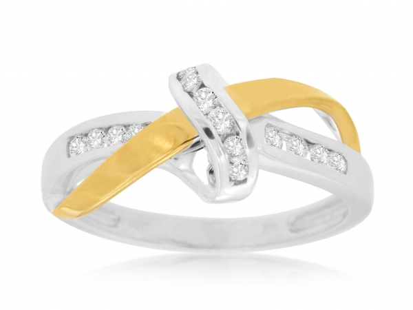 Diamond Ring by Royal Jewelry Manufacturers